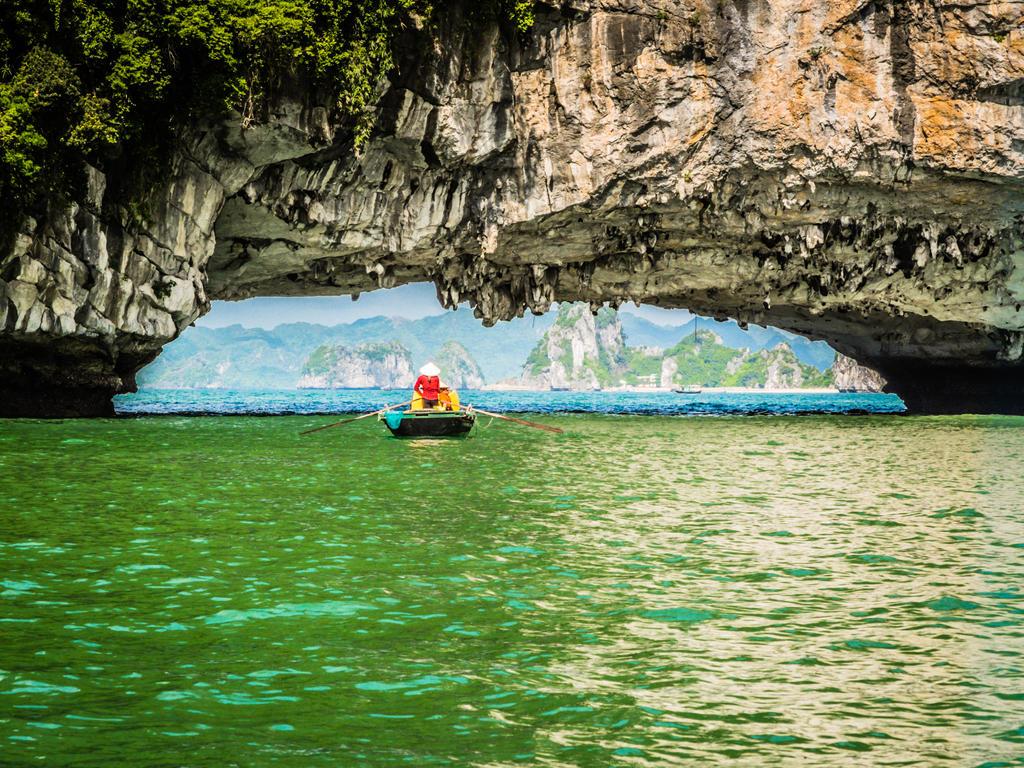 Ha Long Bay 1 by korkk1