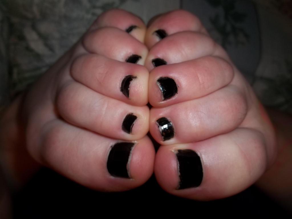 Toes by Yumelunarose