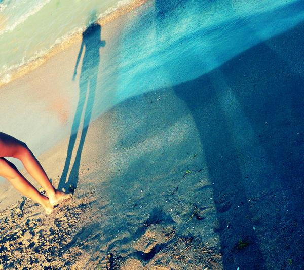 Sea my Shadow by LalA-vi-Doll