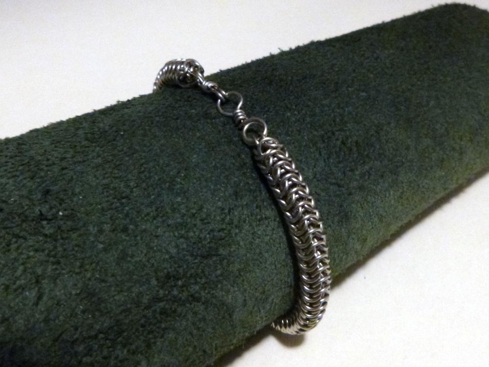 Captive Roundmaille Bracelet by SkepticRaven