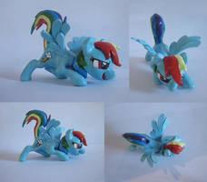 Rainbow dash sculpt by CGskillz