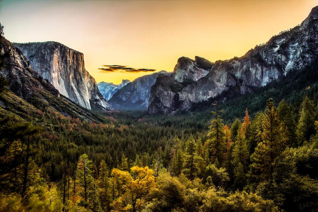 Yosemite - Tunnel View at Sunrise by FallingFeathers