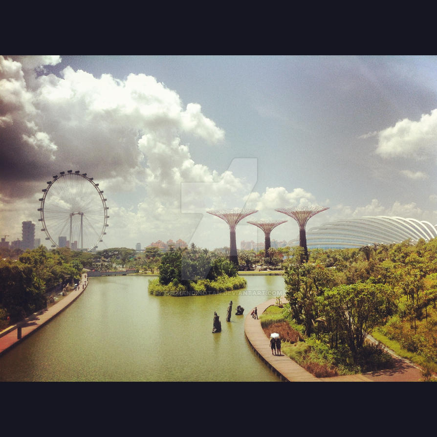 The Singapore Flyer and Super Trees! by themandinotan