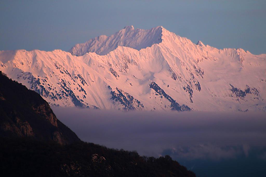 Long Rising Ridges