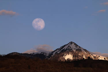 'Blue' Moon Rise over the Galopaz by organicvision