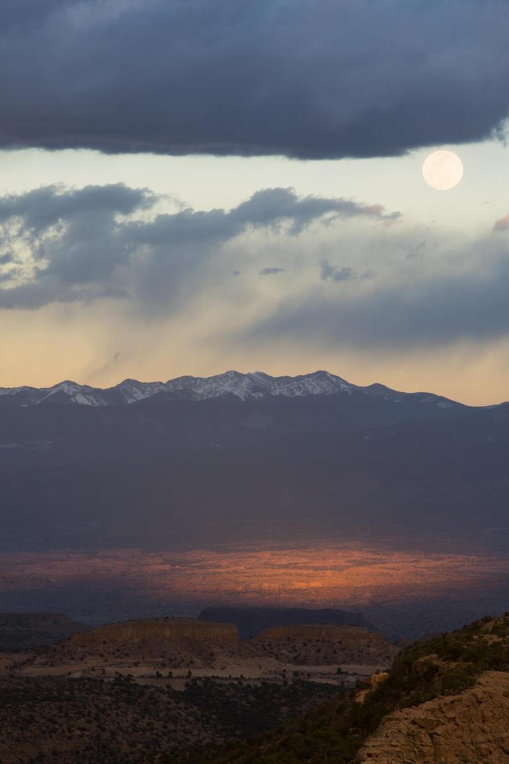 Moonrise by Odnoder