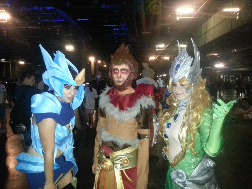ice drake shyvana cosplay - photo #34