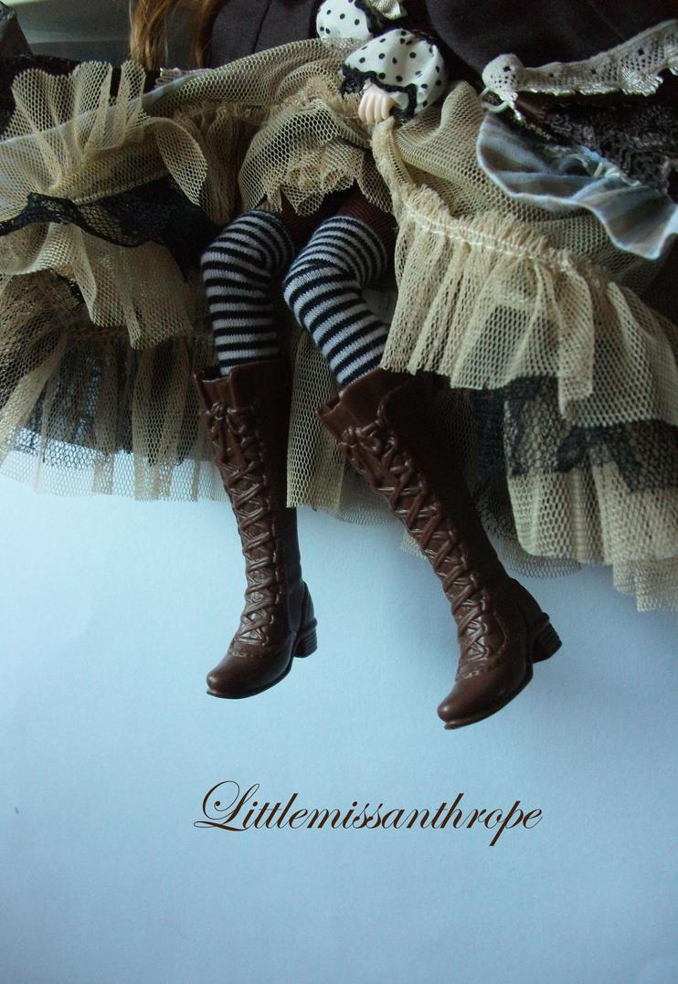 Lace 'em up by littlemissanthrope