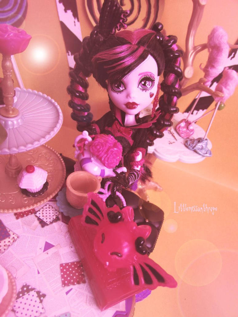 Pink is my favourite colour by littlemissanthrope