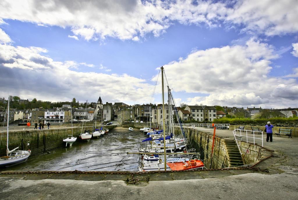 un giorno al porto by BusterBrownBB