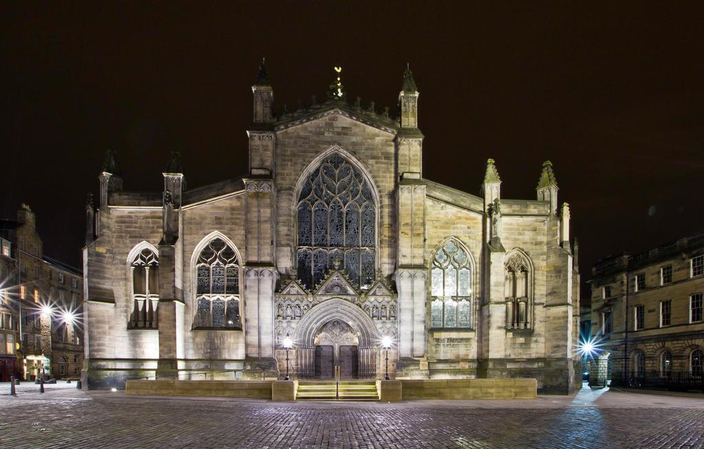St Giles Catherdral Edinburgh by BusterBrownBB