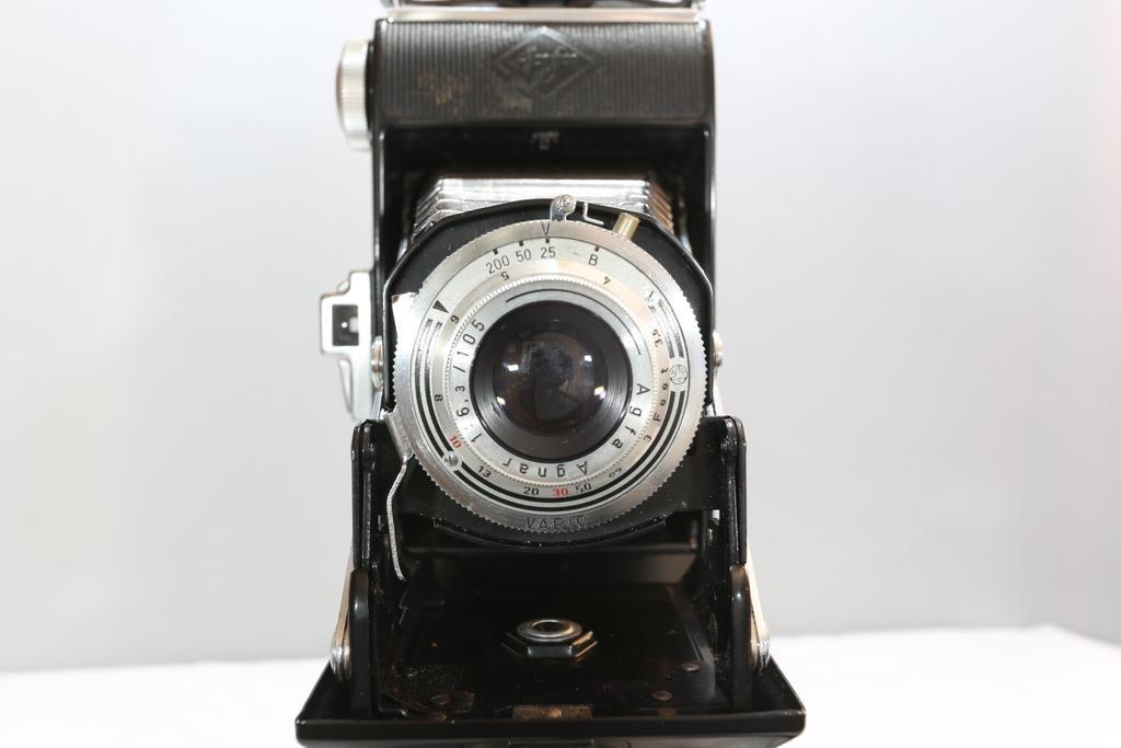Agfa Billy Medium Format film camera. by BusterBrownBB