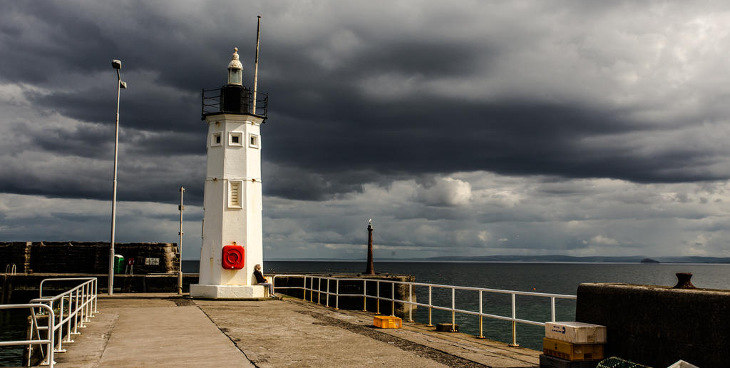 Chalmers Lighthouse, Anstruther harbour by BusterBrownBB