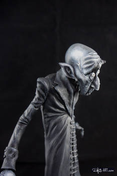 [Garage kit painting #11] Nosferatu statue - 010