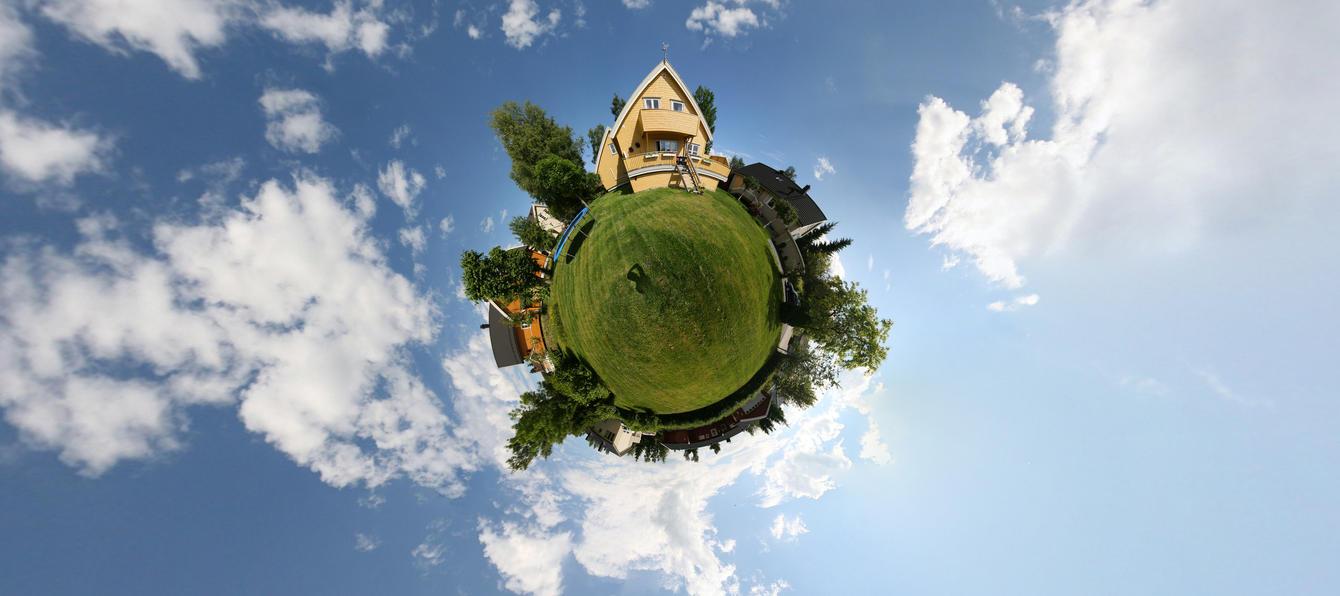 Little Planet Garden by DrySin