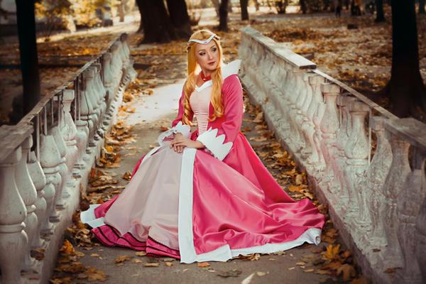 Princess Allura by Reryuuzu