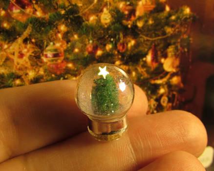 Dollhouse Snow Globe