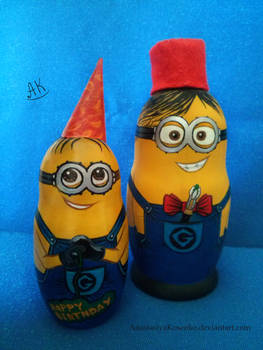 Despicable Me - Two minions nesting dolls