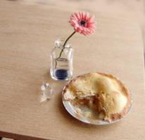 Dollhouse Miniature Apple Pie by fairchildart