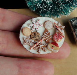 1:12 Scale Christmas Cookies by fairchildart