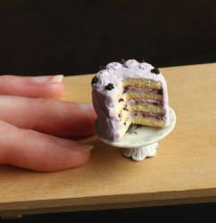 1:12 Scale Blackberry Cake by fairchildart