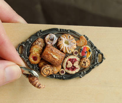 1:12 Scale Pastry Platter