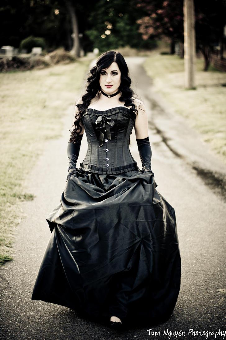 Vintage/Lolita Goth on Pinterest   Gothic, Goth and Gothic ...