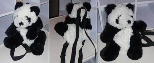 Panda present YAY by Vanessanon