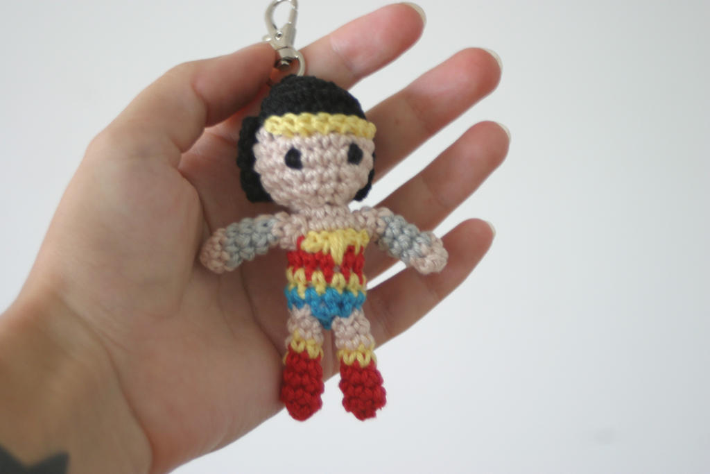Amigurumi Wonder Woman : Wonder Woman amigurumi charm by Herzstueck-Handmade on ...