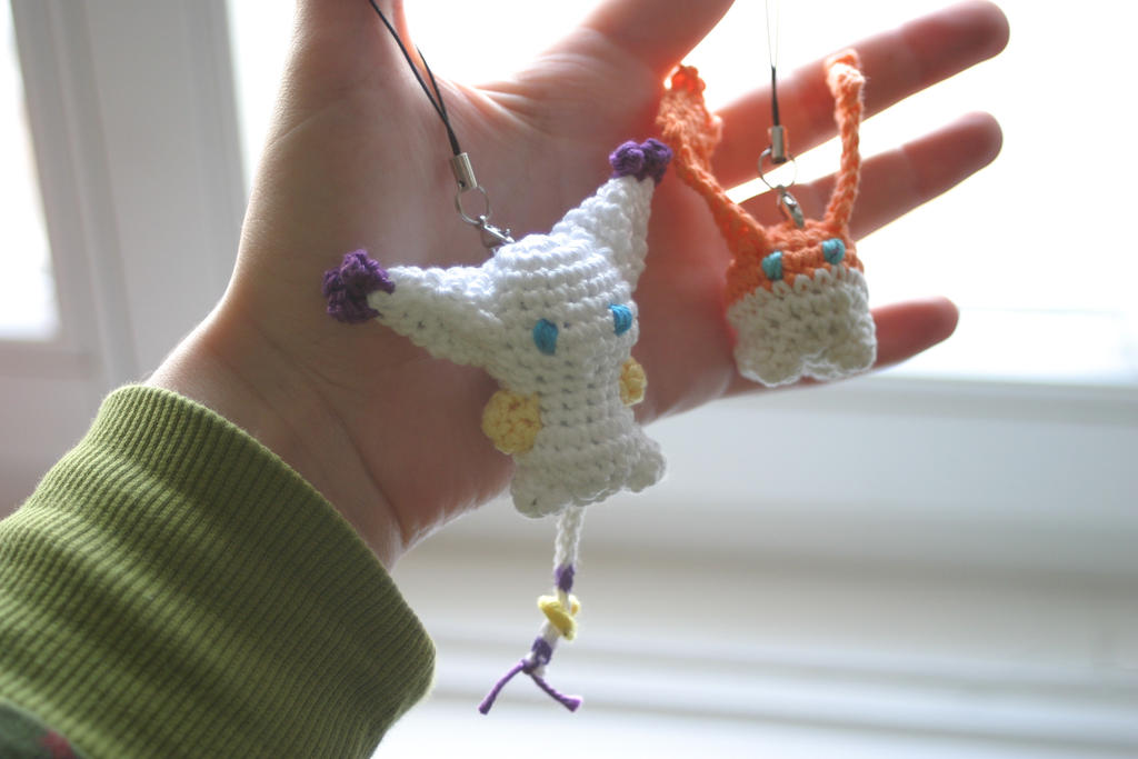 Tailmon and Patamon amigurumi charms by Herzstueck-Handmade