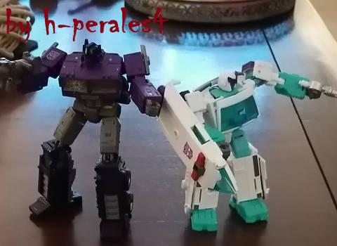 SG Optimus Prime And Ratchet