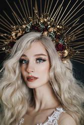 Crown lady