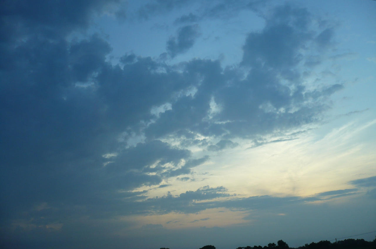 clouds in Dordogne 3.1 by nicolapin