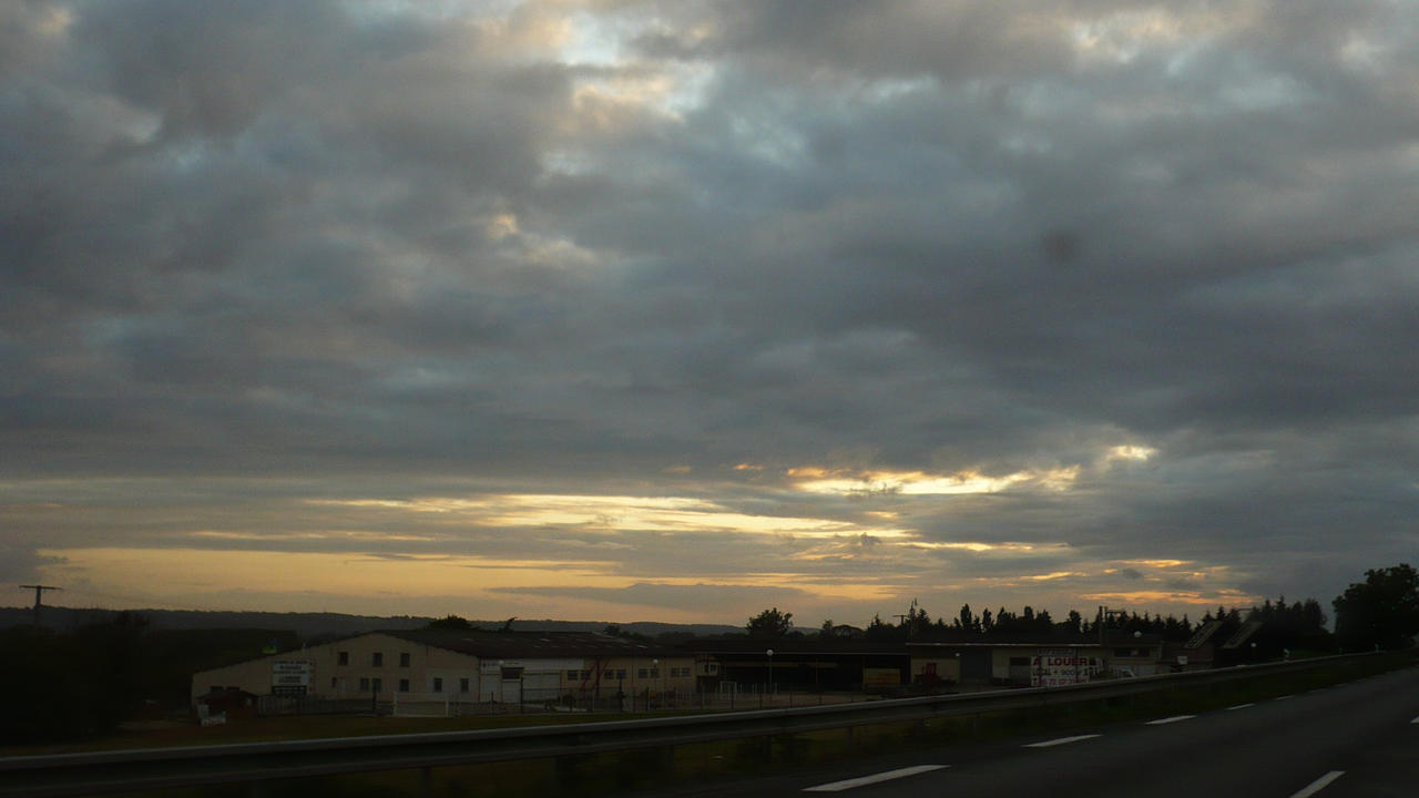 Sunset far away by nicolapin