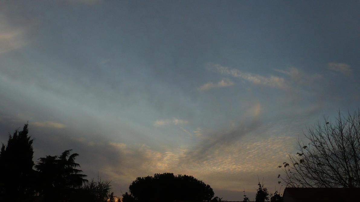 Seb's evening Sky by nicolapin