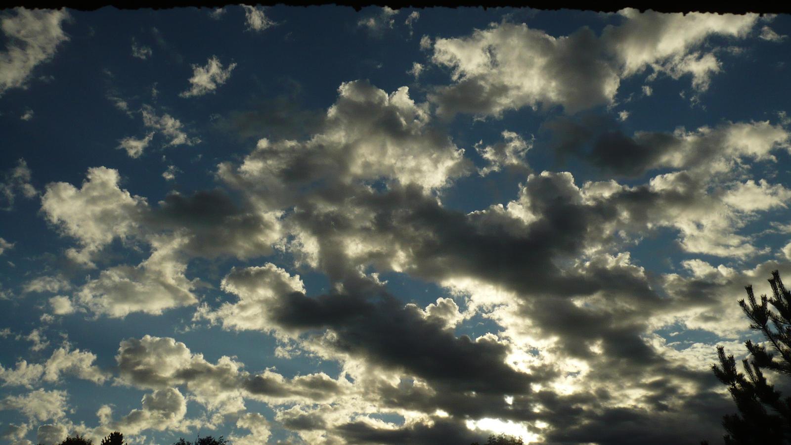 morning sky by nicolapin