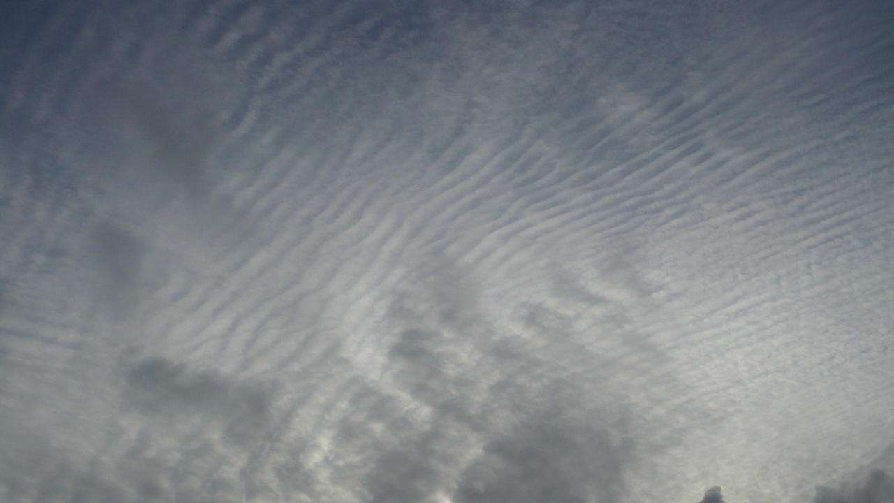 waves in the sky by nicolapin