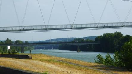 un pont peut en cacher un autre