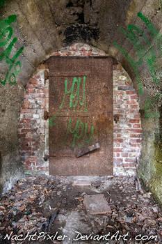 let me in - IMG 6081 by NachtPixler
