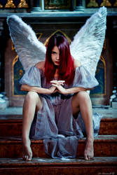 Fallen angel by ange-lady-yunashe