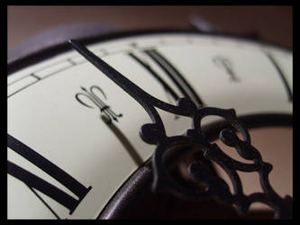 Time's running... by favocal