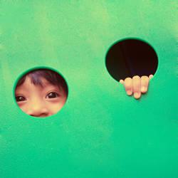Peek A Boo by nikiee