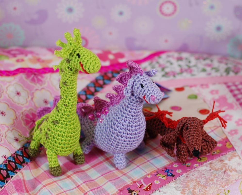giraffe dino dachshund crochet by iasio