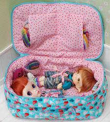 travel bag for two dolls blythe Linda Macario by iasio