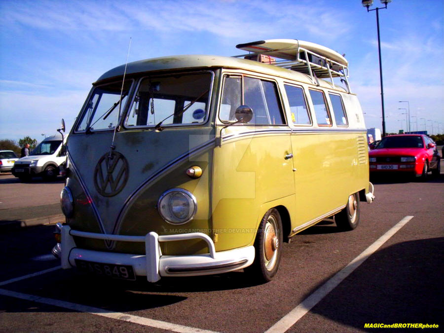 VW TRANSPORTER OLDTIMER by magicandbrother