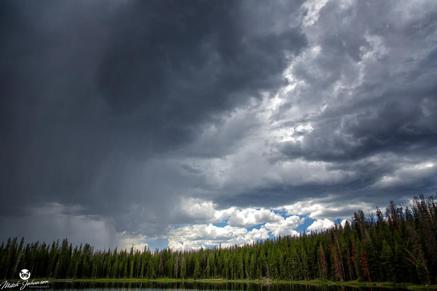 Half Stormy Sky by mjohanson
