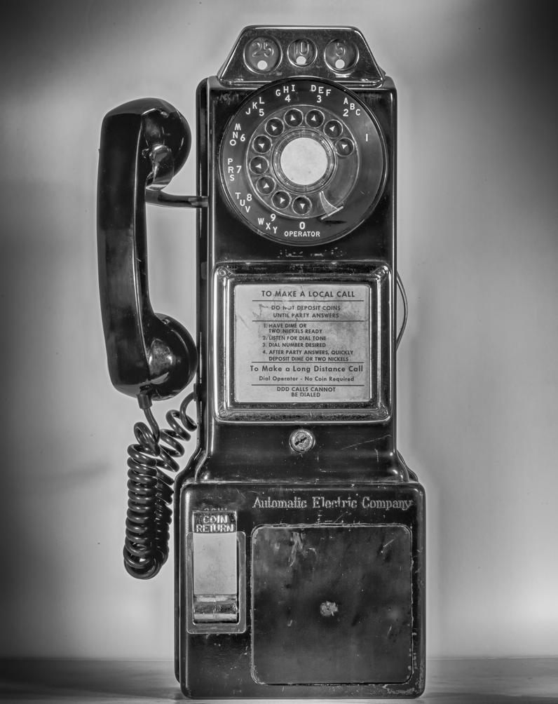 Old Phone BW by mjohanson