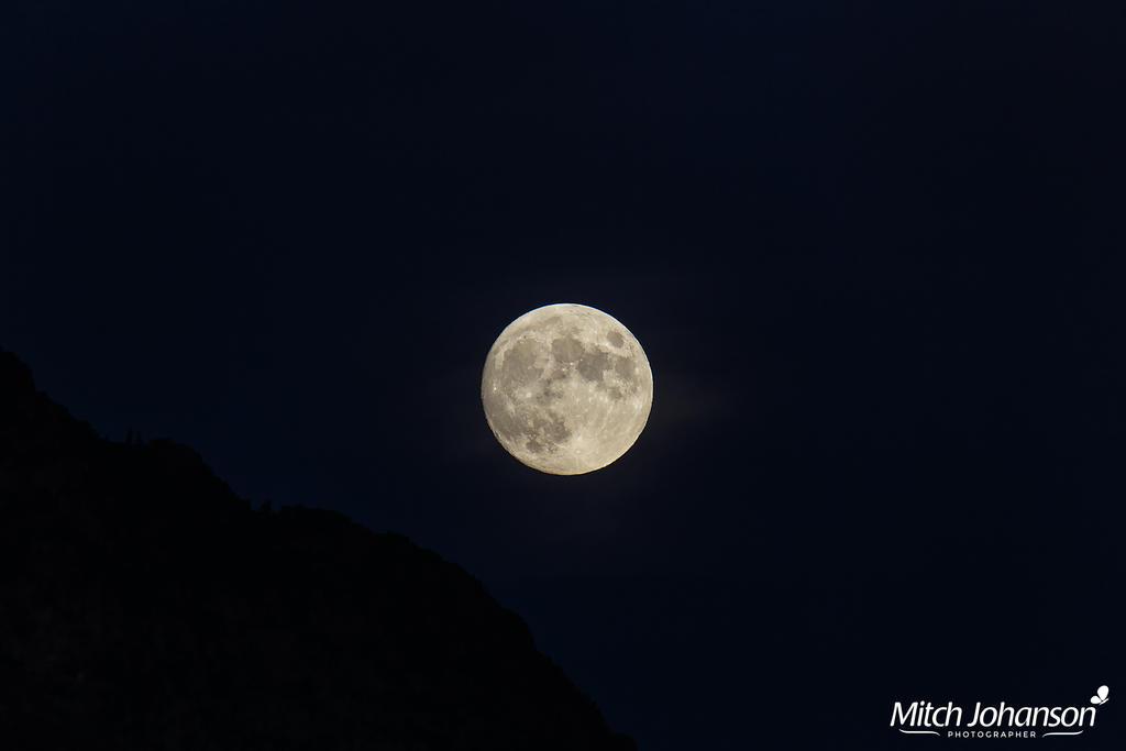 Full Moon Over the Ridge by mjohanson