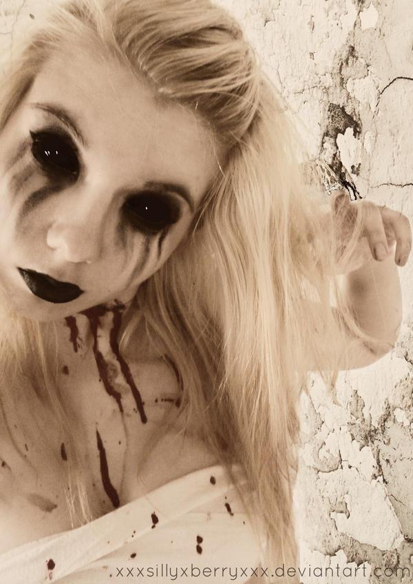 touch of dead by xXxSILLYxBERRYxXx