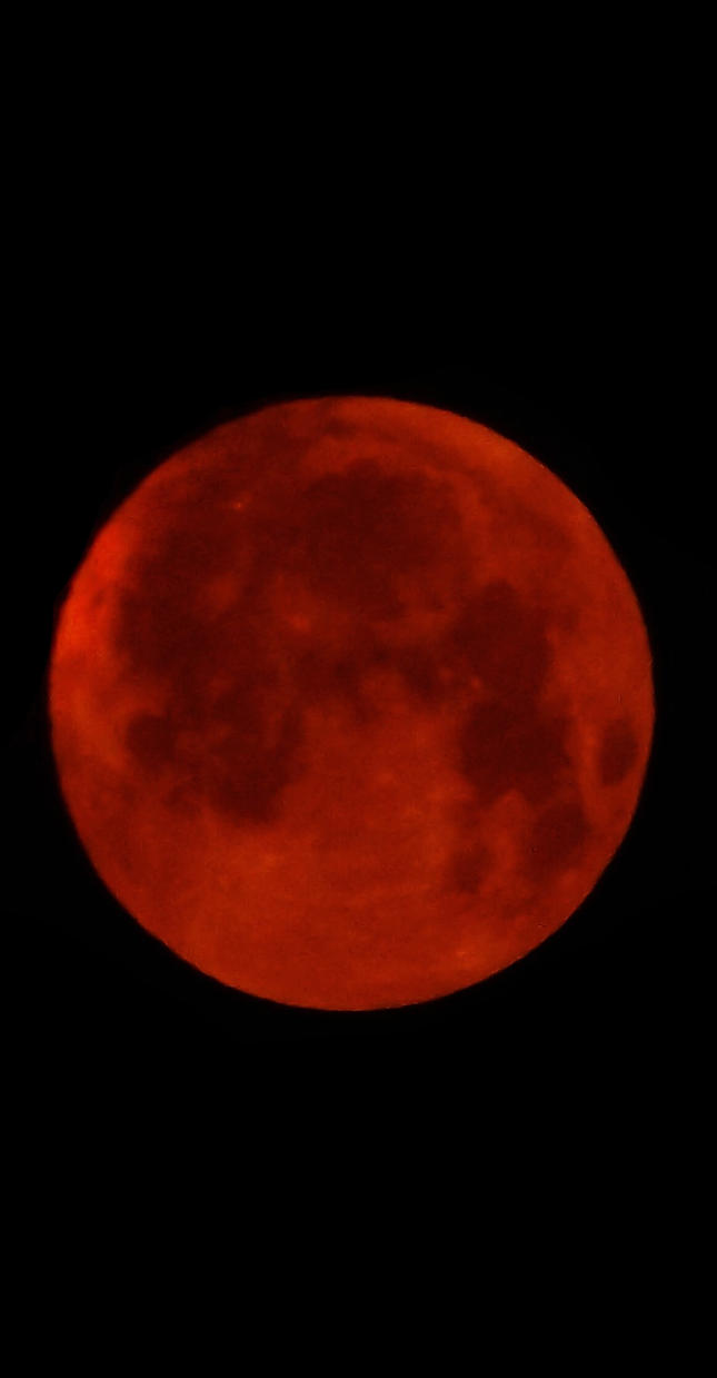 Super Blood Moon 28.09.15 by kizgoth